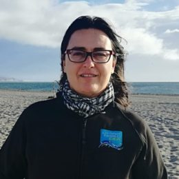 A biologist with experience aboard of small-scale fishing vessels, Macarena is based in Southern Spain and in charge of working with communities on the ground.